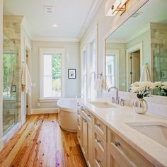 Light and bright....happy hump day! #melissalenoxdesign #bathroom #chsdesign…