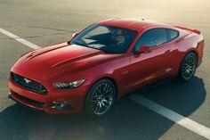 Pela primeira vez em mais de 50 anos de existência, o Mustang será vendido de forma oficial em países da Europa. O lançamento do carro no Ve...