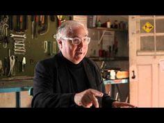 Manuel Castells - A obsolescência da educação - YouTube