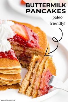 These paleo buttermilk pancakes are like a cross between typical fluffy American pancakes and crepes! They're also grain-free, gluten-free and dairy-free. Waffles Sin Gluten, Paleo Pancakes, Breakfast Pancakes, Breakfast Recipes, Paleo Breakfast, Breakfast Ideas, Gluten Free Recipes For Dinner, Dairy Free Recipes, Real Food Recipes