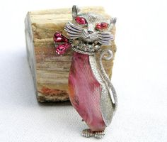 """Coro tried to give their costume jewelry a """"French"""" touch and Francois was chosen as the name for their higher end jewelry. Francois was one of the new designers at Coro in 1938. Francois Coro. Kitty Cat Brooch Pin.   eBay!"""
