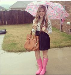Pink Hunter Boots and Lilly Pulitzer umbrella Preppy Outfits, Preppy Style, Preppy Wardrobe, Boot Outfits, Preppy Girl, Spring Summer Fashion, Autumn Winter Fashion, Winter Style, Fall Fashion