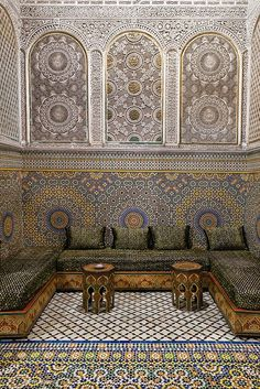 Could never recreate the tiled surfaces but the division of space and surfaces is interesting.
