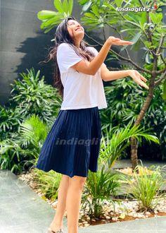 Athulya Ravi - Photograph of  Athulya Ravi  IMAGES, GIF, ANIMATED GIF, WALLPAPER, STICKER FOR WHATSAPP & FACEBOOK