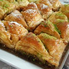 Spanakopita, Sprouts, Meat, Chicken, Vegetables, Ethnic Recipes, Food, Fotografia, Essen