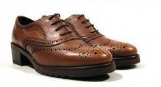 Zapatos de piel oxford para mujer Hispanitas Zapatos oxford de piel con suela de goma Hispanitas modelo HI63844. Zapatos de cordones realizados en piel color cuero con interiores forrados de piel y plantillas acolchadas. Suela de goma con tacón de 5 cms aproximadamente. Hispanitas calidad Made in Spain. http://ift.tt/2i96pao