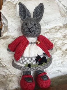 Mesmerizing Crochet an Amigurumi Rabbit Ideas. Lovely Crochet an Amigurumi Rabbit Ideas. Knitted Doll Patterns, Animal Knitting Patterns, Crochet Doll Pattern, Knitted Dolls, Knit Or Crochet, Crochet Toys, Knitted Bunnies, Knitted Animals, Knitting Projects