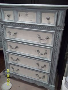 Montreal Furniture Painting, Westmount, Annie Sloan Paints Custom Furniture Painting, painted vintage furniture, Montreal Custom Painted Furniture,