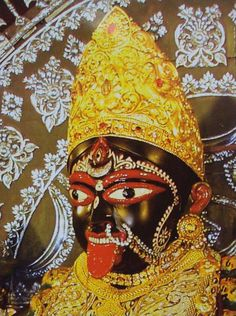Kali known as Mahakali is the goddess of Hindu. Here are 10 facts about Maa Kali: an angry Indian Goddess worshiped for removing darkest evil from the Earth. Kali Goddess, Indian Goddess, Kali Statue, Maa Kali Images, Aesthetic Statue, Aesthetic Eyes, Happy Navratri Images, Mother Kali, Kali Hindu