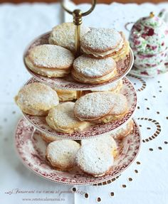 Romanian Desserts, Romanian Food, Cake Recipes, Dessert Recipes, Fast Good, Good Food, Yummy Food, How To Eat Better, Xmas Cookies