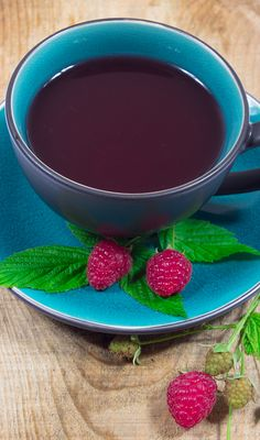 red raspberry tea for pregnancy women with morning sickness