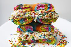 How to make the glorious Rainbow Bagel. Pick your own ingredients to make this vegan.