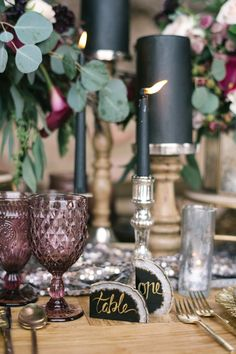 Juxtaposed against dusty rose goblets, black taper and pillar candles and geode table markers felt moody and seasonal—not gothic.
