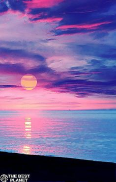 Colorful Sunset over the Ocean photography colorful sky sunset Beautiful Sunset, Beautiful World, Beautiful Places, Amazing Sunsets, Stunningly Beautiful, Beautiful Scenery, Absolutely Gorgeous, Wonderful Places, All Nature