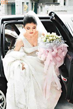 Shan Cai, Girls Dresses, Flower Girl Dresses, Asian Beauty, Barbie, Tulle, Wedding Dresses, Skirts, Pictures