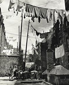 "Wolfgang ""Wolf"" Suschitzky, BSC (Austrian and British cinematographer and photographer, Dundee, Scotland, 1944 City Photography, Vintage Photography, Inspiring Photography, Camera Photography, Landscape Photography, Wolf, Old Photos, Vintage Photos, National Portrait Gallery"