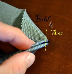 Pinch and Fold tutorial. Great little fabric manipulation technique!