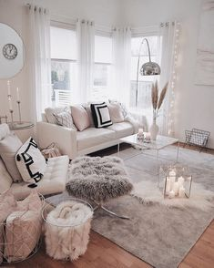 When you're selecting your furniture for your cozy living room ideas, size and. - When you're selecting your furniture for your cozy living room ideas, size and plushness count. Cozy Living Rooms, Living Room Modern, Home Living Room, Apartment Living, Interior Design Living Room, Living Room Designs, Modern Interior, Romantic Living Room, Bedroom Designs