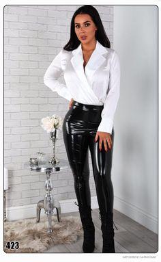 So elegant and sexy Latex Pants, Latex Dress, Pantalon Vinyl, Leather Pants Outfit, Vinyl Leggings, Vinyl Dress, Wet Look Leggings, Mode Blog, Satin Shirt