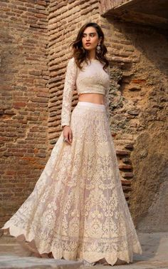 Indian outfits Thread and Motifs Formal Collection 2019 Lehanga & Blouse Design Code: 5436 wedding outfits Blouse Designs Indian Bridal Outfits, Indian Designer Outfits, Designer Dresses, Indian Designers, Wedding Outfits For Women, Outfit Designer, Simple Lehenga, Plain Lehenga, Indian Lehenga