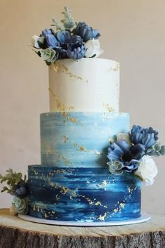 These 39 Wedding Cakes Are Seriously Pretty Planning a wedding is an exciting and stressful job for bride. Therefore, selecting a cake for the wedding is a huge responsibility. Wedding cakes play a. Elegant Wedding Cakes, Wedding Cake Designs, Simple Elegant Cakes, Watercolor Wedding Cake, Buttercream Wedding Cake, Wedding Colors, Wedding Blue, Blue Wedding Cakes, Blue Weddings