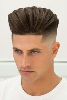 The Fade Bible: Street-Ready Fade Haircut Styles - Frisuren Fade Haircut Styles, Short Fade Haircut, Taper Fade Haircut, Tapered Haircut, Long Hair Styles, Beard Styles, Cool Hairstyles For Men, Popular Hairstyles, Haircuts For Men