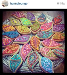 Henna/Mendhi inspired cookies perfect for your Gaye Holud night! Absolutely love this idea!!
