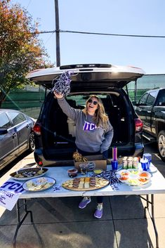 Toyota Tailgate is my favorite time of year! So let's dive into all the tailgating essentials + the ultimate parking lot party vehicle, the Toyota Sequoia. Kansas State Football, College Football Games, Football Food, Tailgate Food, Tailgating, Football Brownies, Pretzel Factory, Veggie Tray
