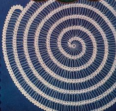 Spiral Place Mat crochet pattern from Modern Crochet originally published by Lily Mills Company Book 75 in 1954 Spiral Crochet, Crochet Cross, Crochet Home, Thread Crochet, Irish Crochet, Crochet Yarn, Free Crochet Doily Patterns, Crochet Motif, Crochet Doilies