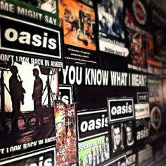 wall Lennon Gallagher, Liam Gallagher Oasis, Noel Gallagher, Rock Music, My Music, Oasis Album, Oasis Band, Band Wallpapers, You Make Me Laugh
