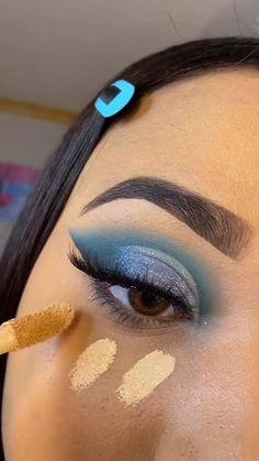 Eye Makeup Steps, Makeup Eye Looks, Eye Makeup Art, Crazy Makeup, Blue Makeup, Makeup Eyeshadow, Skin Makeup, Cute Eyeshadow Looks, Eyeshadow Ideas