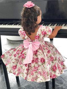 Kids Frocks, Frocks For Girls, Little Girl Dresses, Girls Dresses, Flower Girl Dresses, Baby Girl Dress Patterns, Baby Clothes Patterns, Little Girl Fashion, Kids Fashion