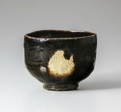 Dōnyū (Raku III), Black Raku Tea Bowl named 'Aoyama', 17th century, Raku Museum, Important Art Object, photo by Takashi Hatakeyama