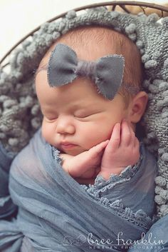 Pose for newborn girl So Cute Baby, Baby Kind, Cute Kids, Adorable Babies, Cute Babies Pics, Cutest Babies Ever, Kids Diy, Baby Poses, Newborn Poses