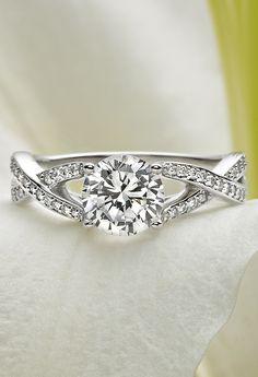 18K White Gold Amore Diamond Ring//