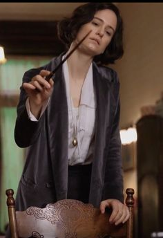 Porpentina Goldstein (Katherine Waterston) - Fantastic Beasts and Where to Find Them Harry Potter Items, Harry Potter Love, Harry Potter World, Slytherin, Hogwarts, Fantastic Beasts Movie, Fantastic Beasts And Where, Porpentina Goldstein, Weird Creatures