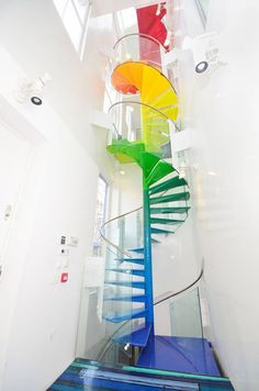 Funny pictures about Rainbow staircase. Oh, and cool pics about Rainbow staircase. Also, Rainbow staircase. Rainbow House, Escalier Design, Interior Minimalista, Painted Stairs, Dream Rooms, My New Room, Rainbow Colors, Home Interior Design, Interior Ideas