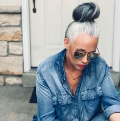 High Fashion Women and Men Glasses, Hats, Jewelry Accessories Silver Grey Hair, Gray Hair, Lilac Hair, Pastel Hair, Blue Hair, Curly Hair Styles, Natural Hair Styles, Grey Hair Inspiration, Grey Hair Don't Care