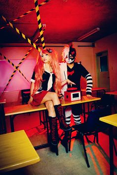 Pair of Despair from Dangan Ronpa Cosplayers: mikiikun as Junko Enoshima Marvin Tayong as Human Monokuma Photographed by japepong source: mikiikun via DeviantArt