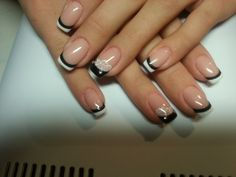 Nail Art: black & white French tips