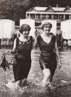 Vintage Photos From Edwardian Era Edwardian Fashion, 1940s Fashion, Vintage Fashion, Edwardian Style, Women's Fashion, Fashion Spring, Ladies Fashion, Fashion Outfits, Fashion Trends