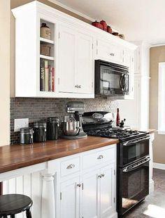 cozinha branco / madeira clássico