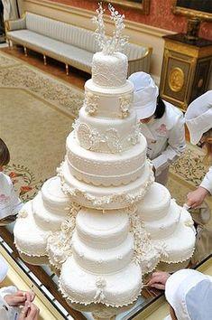 Ideas Wedding Winter Cake Beautiful For 2019 Funny Wedding Cakes, Amazing Wedding Cakes, White Wedding Cakes, Wedding Humor, Wedding Cake Toppers, Royal Wedding Cakes, Royal Weddings, Indian Weddings, Purple Wedding