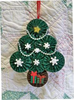 Another yoyo Christmas tree!
