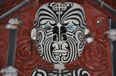 La sculpture Maori / Maori wood carving