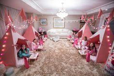 fiesta de pijama para niños camas                              …