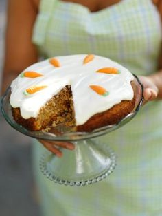 Best carrot cake recipe ever by Leila Lindholm - perfectly seasoned without nuts. Swedish Recipes, Sweet Recipes, Pastry Recipes, Cake Recipes, Carrots N Cake, American Cake, Best Carrot Cake, Cupcakes, Pie Cake
