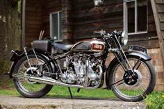 Meet Robert Watson and his perfectly restored 1939 Vincent Series A Rapide, one of just 79 and a Vincent motorcycle that still gets ridden. Motos Vintage, Vintage Bikes, Vintage Motorcycles, Custom Motorcycles, Custom Bikes, Custom Choppers, American Motorcycles, Triumph Motorcycles, Royal Enfield