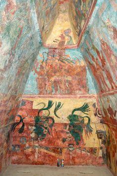 Restauran murales de Bonampak