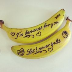 tiny but lovely romantic gestures to get you relationship brownie points Write notes on your boyfriend's banana for a cute and easy romantic gesture!Write notes on your boyfriend's banana for a cute and easy romantic gesture! Be My Valentine, Valentine Day Gifts, Valentine Ideas, Funny Valentine, Valentine Sayings, Valentine Baskets, Valentines Baking, Valentines Breakfast, Valentine Recipes